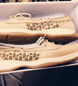 have you tried these on?! sperry's....*sigh....they are so comfortable! i bought these for myself for my birthday. happy birthday to me.